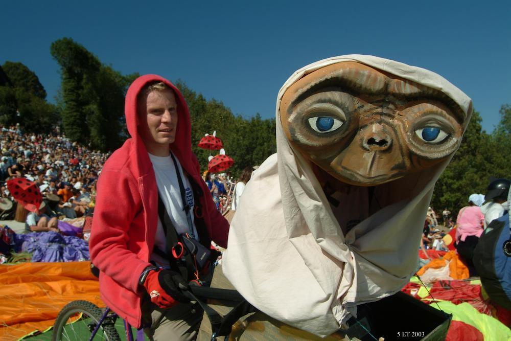 ET 2003